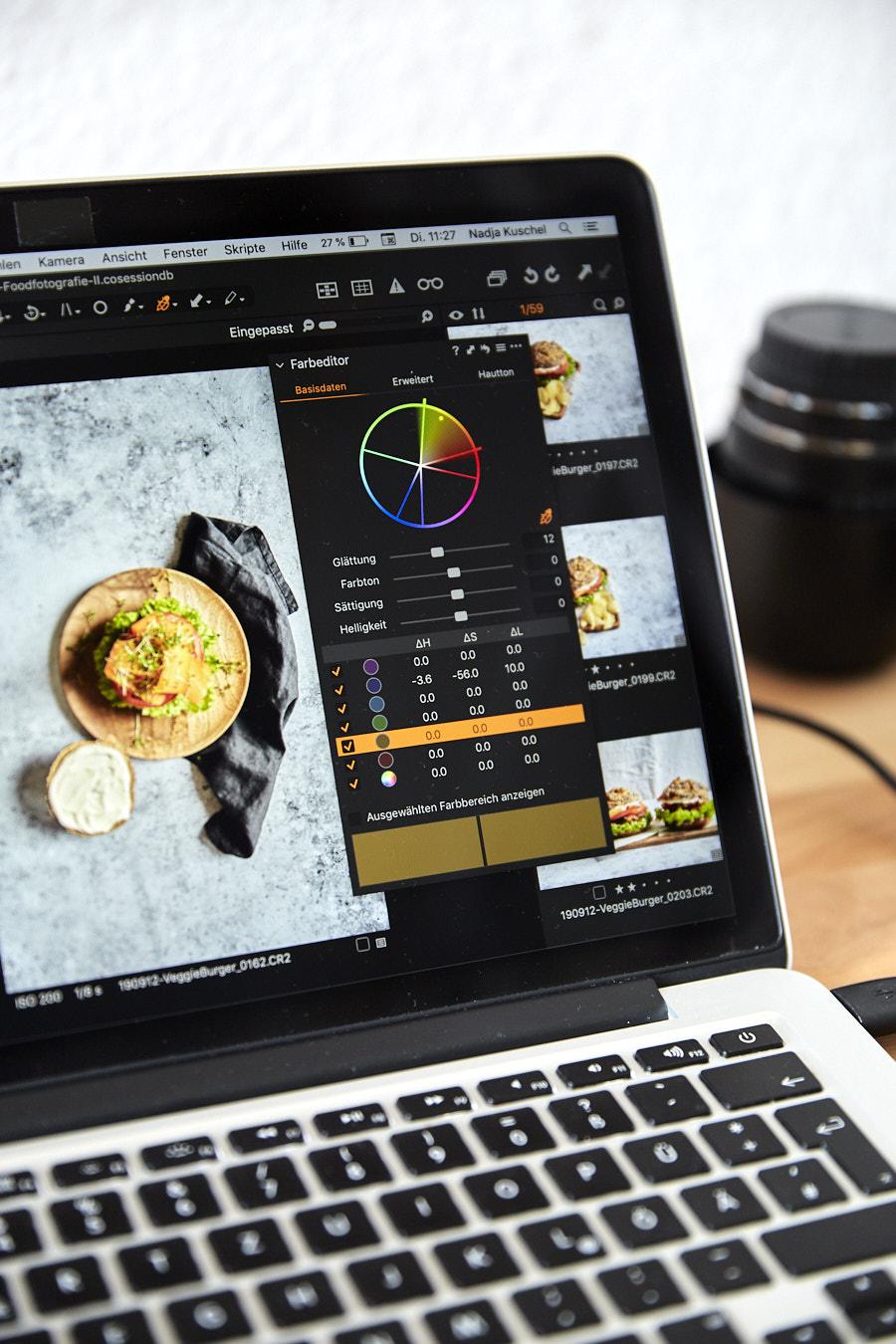 Ansicht Laptop mit RAW-Bildverarbeitungsprogramm CaptureOne Pro
