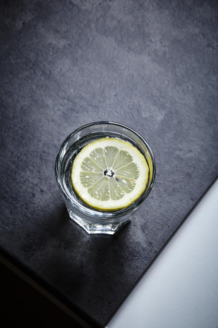 Foodfotografie-drink-zitrone-wasser