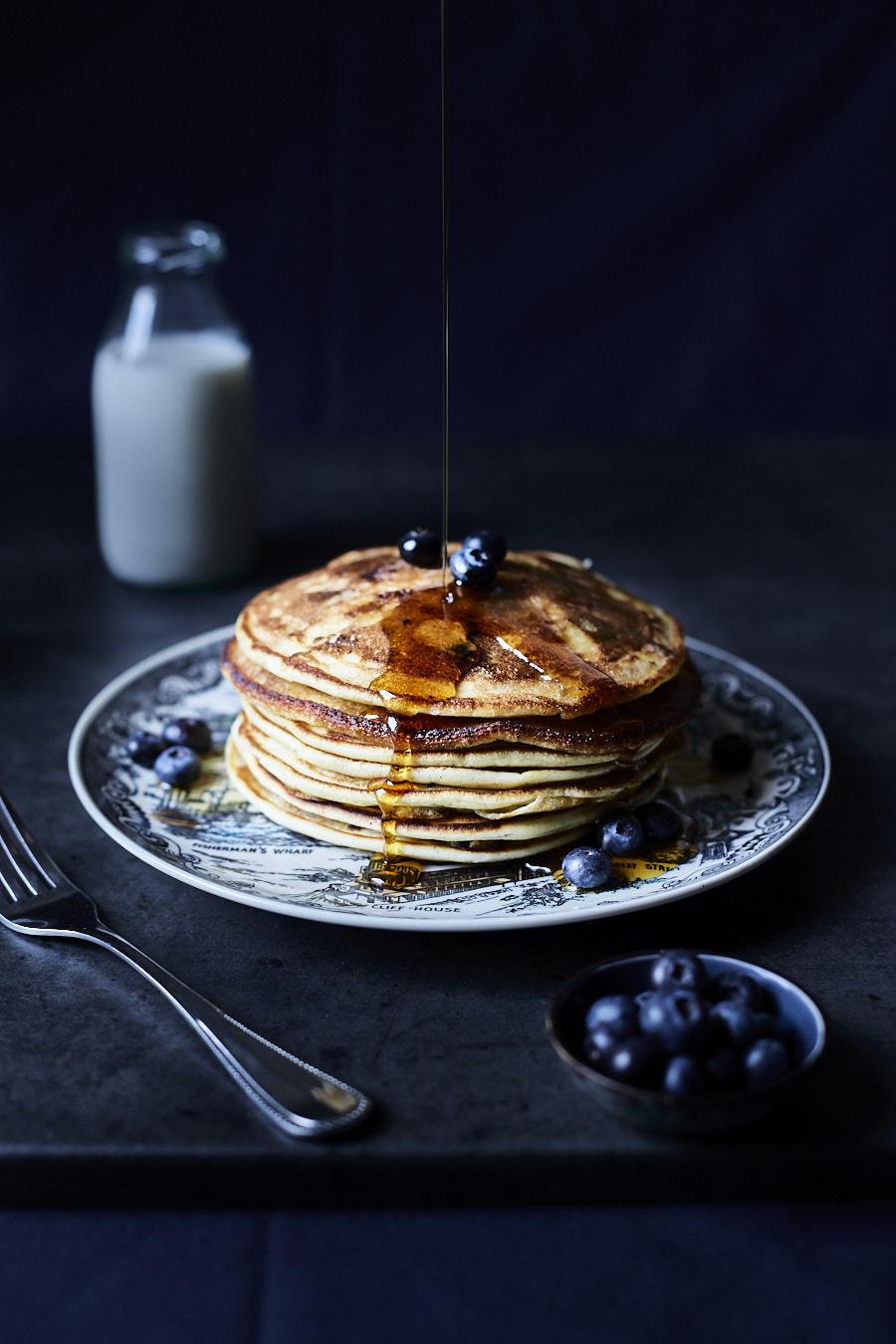 foodfotografie-blaubeer-pancakes
